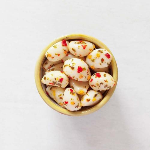 Hot Pickled Garlic Pot